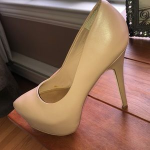 Leather blush Steve Madden  heels
